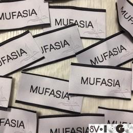 Этикетка жаккардовая вышитая Mufasia 30мм заказная (1000 штук)
