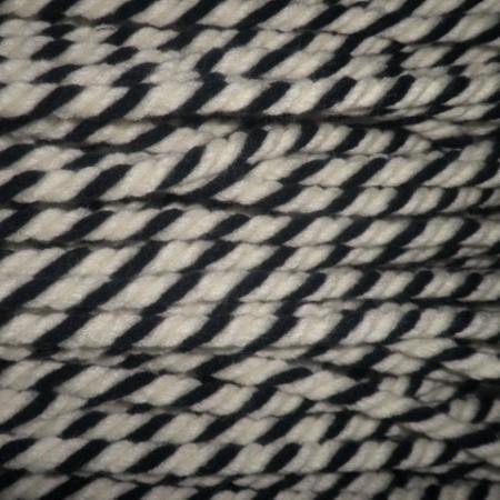 Шнур канат 8 мм акриловый черно белый (50 метров)